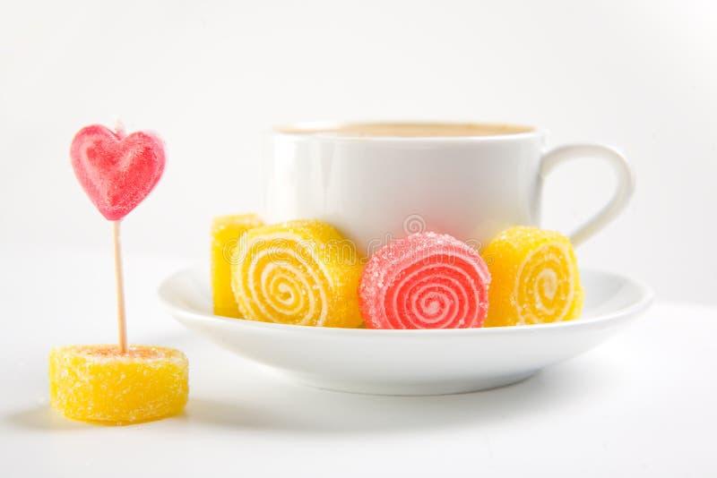 糖果热奶咖啡 免版税库存照片