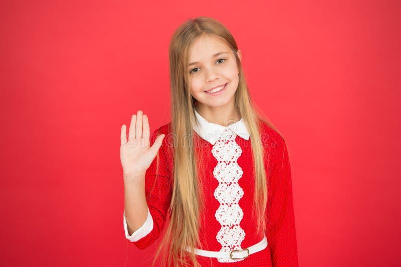 系列和爱 儿童的日 小女孩孩子 学校教育 好做父母 育儿 红色的愉快的女孩 库存照片