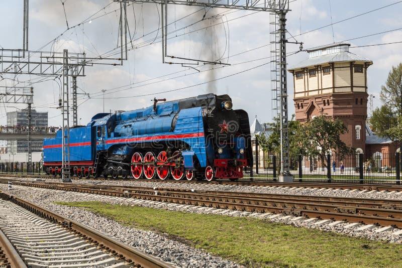 系列P36 0027的蒸汽机车在苏联生产了由1950年到1956年在对减速火箭的蒸汽火车的示范的行动 免版税库存图片