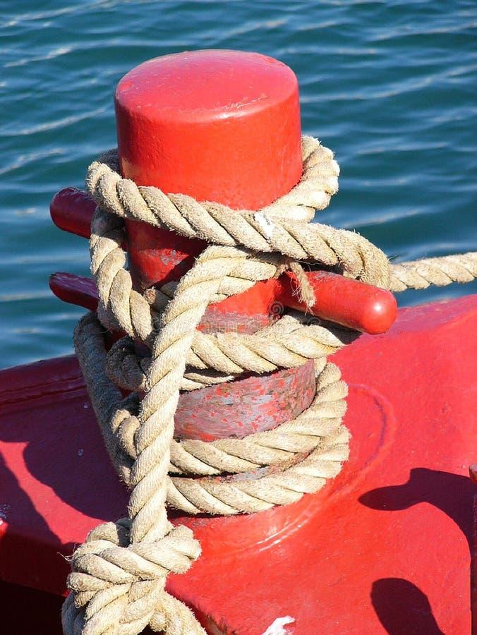 Download 系船柱 库存照片. 图片 包括有 大胆, 绳索, 施舍, 红色, 海运, 海洋, 小船 - 52452
