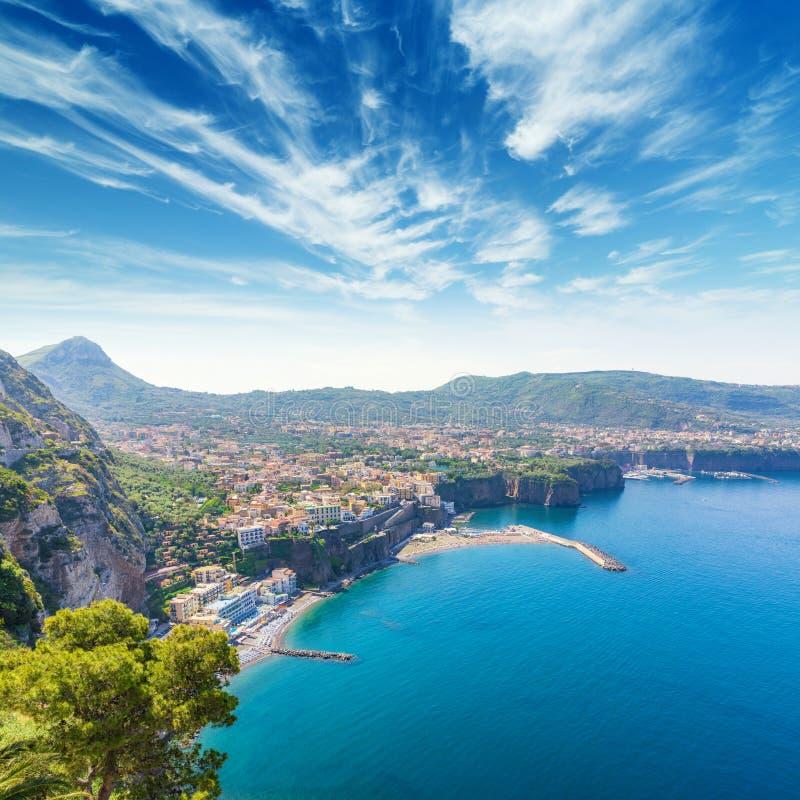 索伦托,阿马飞空中白天看法海岸,意大利 免版税库存照片