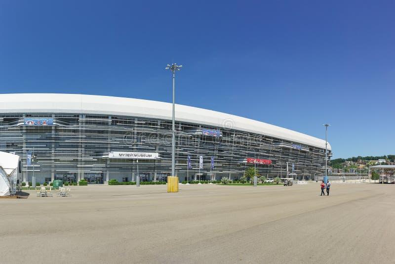 索契autodrom和博物馆的主要正面看台赛跑和跑车在南部的城市的奥林匹克公园 库存图片