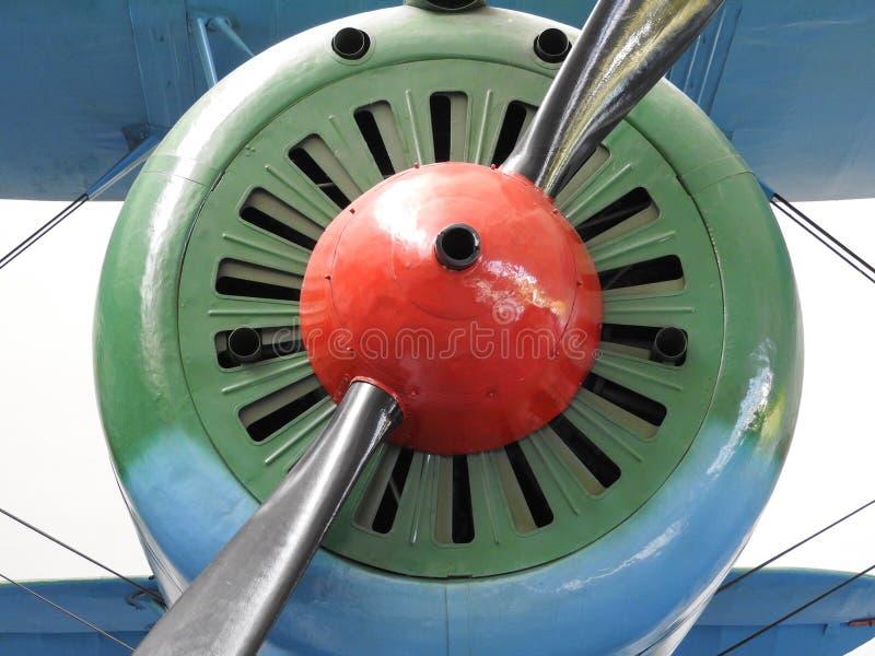 紧密-老引擎和螺旋桨推进式飞机 免版税图库摄影