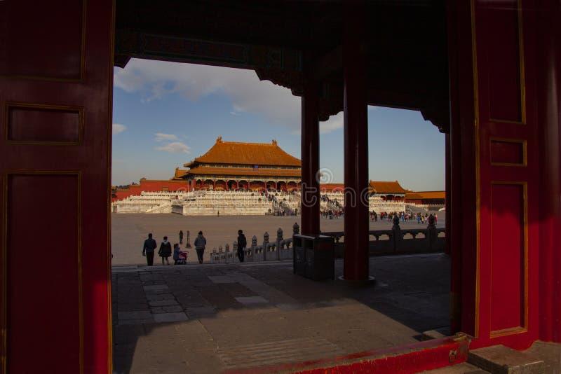 紫禁城在北京 从明代的中国皇家宫殿 在和谐正方形的看法通过阴影  库存照片