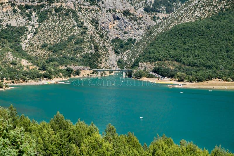 紫胶(湖) de桑特克鲁瓦(圣克鲁瓦克斯-迪韦尔东)和大峡谷du维尔东,普罗旺斯 免版税库存图片