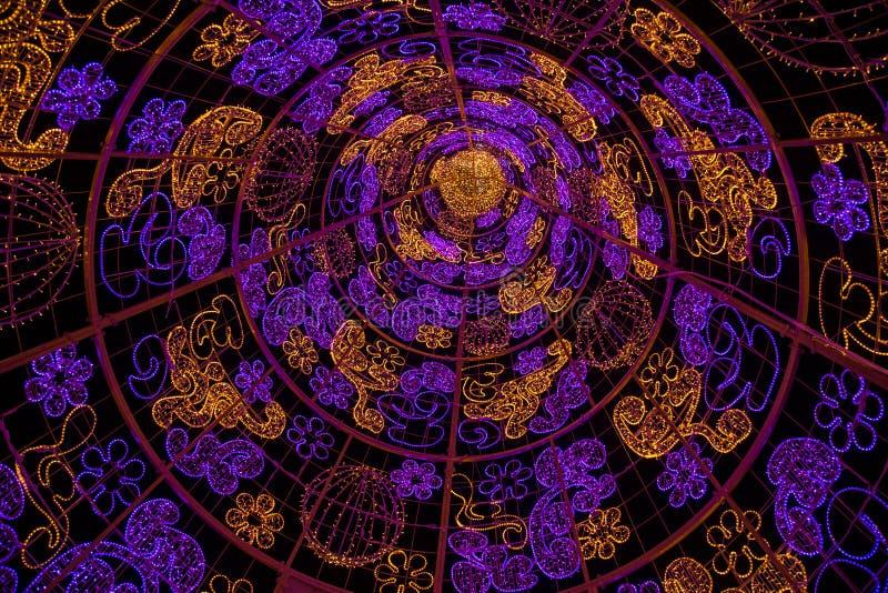 紫色和黄灯样式 库存照片