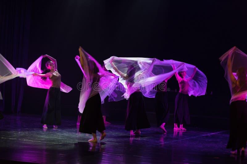 紫色围巾9--舞蹈戏曲驴得到水 库存照片