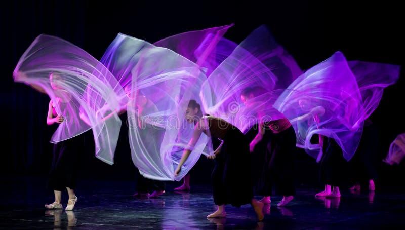 紫色围巾10--舞蹈戏曲驴得到水 库存图片