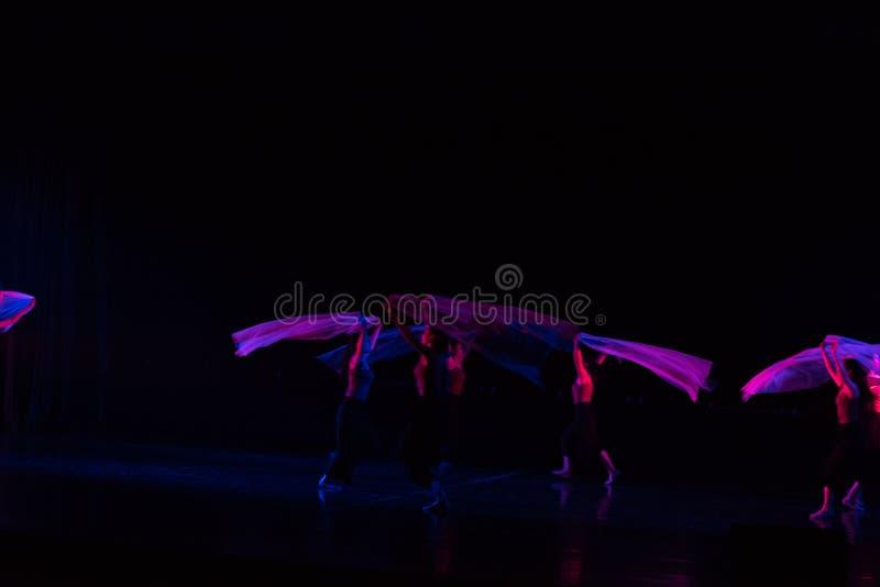 紫色围巾11--舞蹈戏曲驴得到水 免版税库存图片
