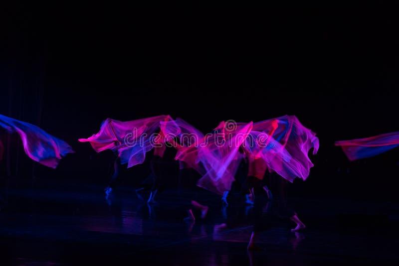 紫色围巾13--舞蹈戏曲驴得到水 库存照片