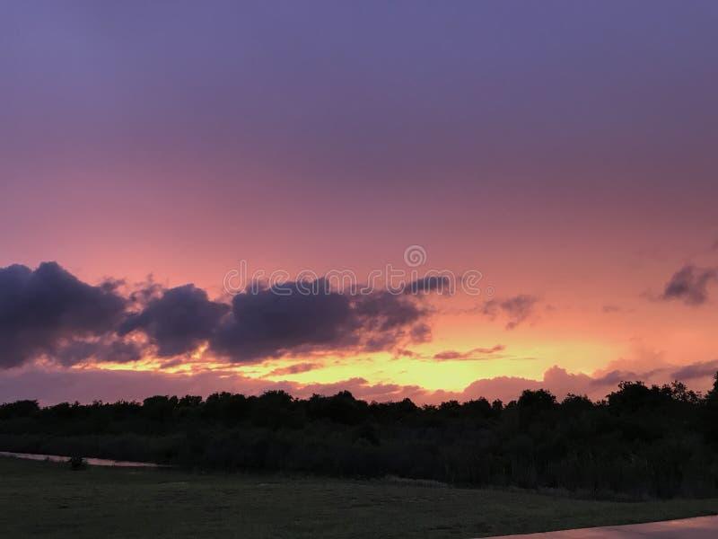 紫色得克萨斯沿海日落 免版税库存图片
