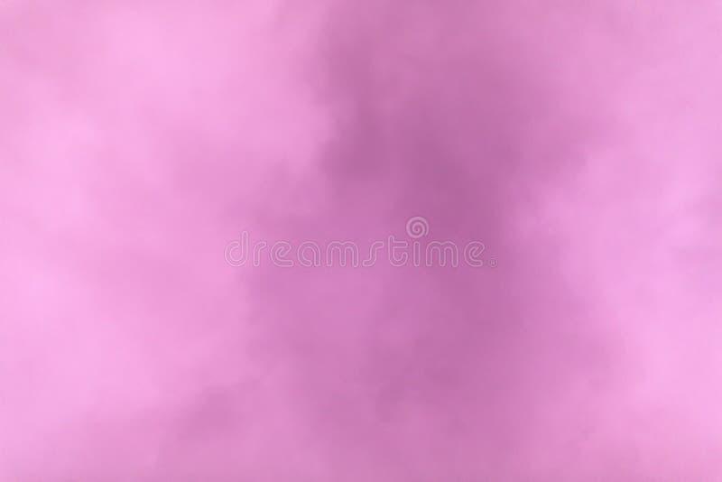 紫色阴暗天空在日落的一个冬日 库存图片