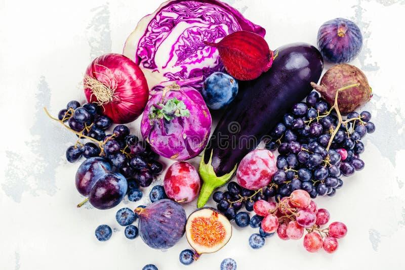 紫色食物的选择 免版税库存照片