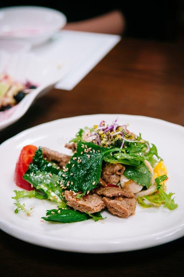 紫苏、Tul-kkae或者牛排留给沙拉烤猪肉Bu 免版税库存照片
