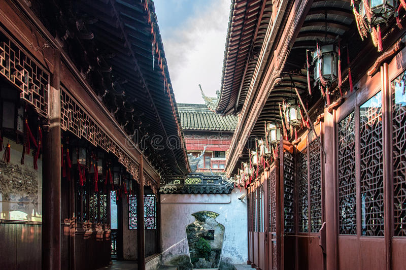 繁体中文建筑学曲拱巷道上海 免版税库存照片