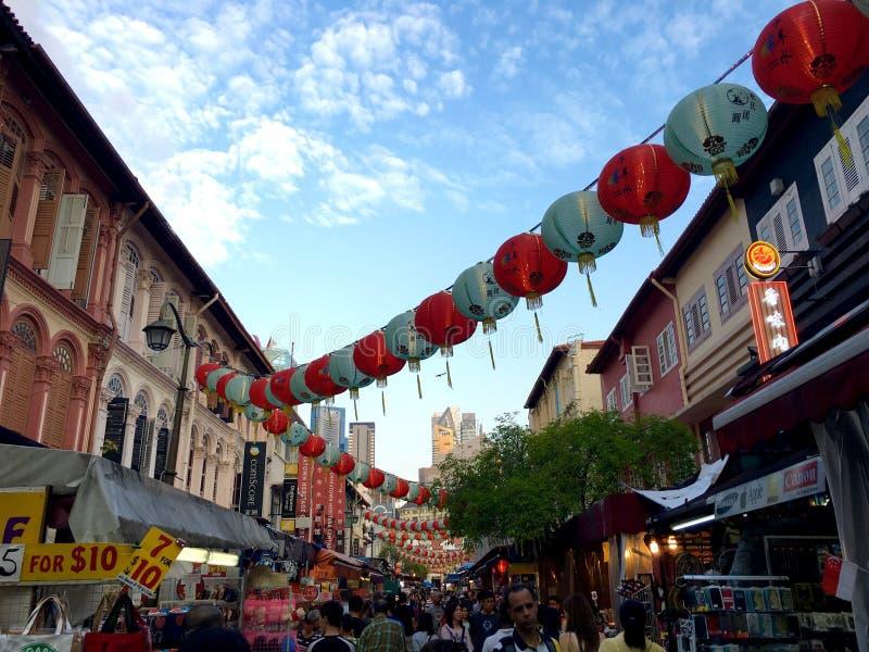繁忙的唐人街市场在新加坡 免版税库存照片