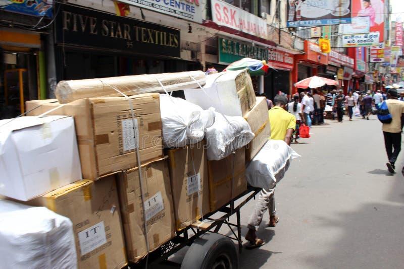 繁忙的地方市场在Pettah,科伦坡 库存图片