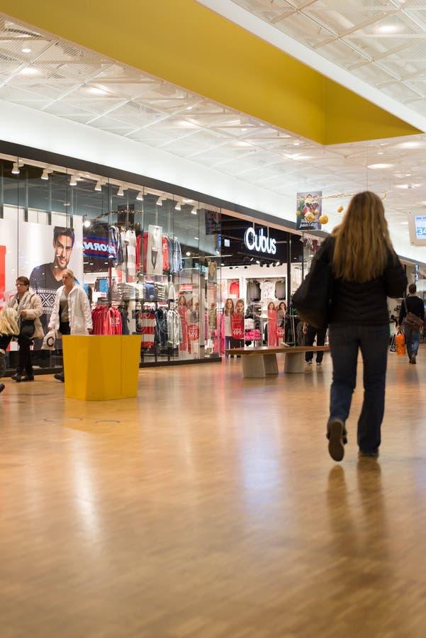 繁忙的零售商城 免版税图库摄影