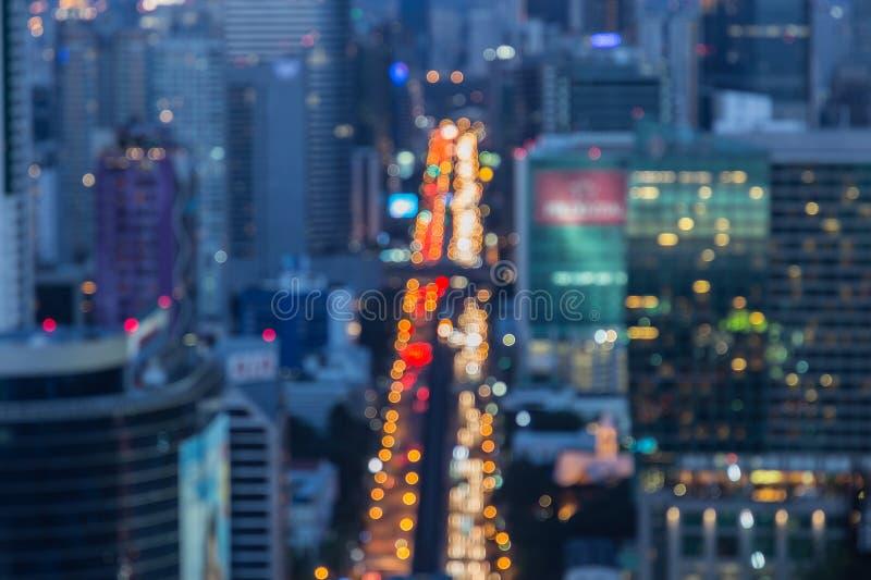 繁忙运输被弄脏的Defocused大城市光在晚上 库存图片
