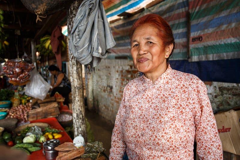 红发夫人在Falam,缅甸(缅甸) 库存照片