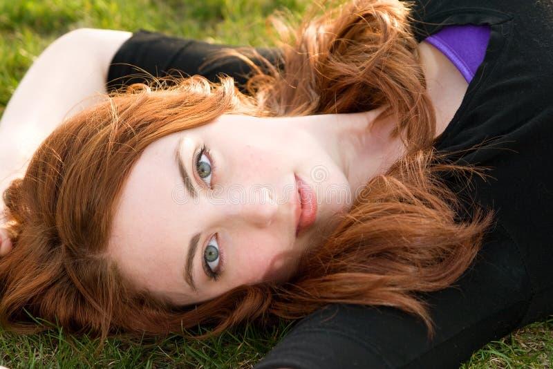 红发的女孩 图库摄影