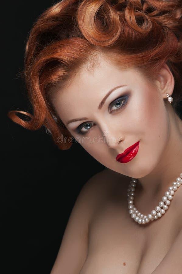 红发的秀丽 免版税库存图片