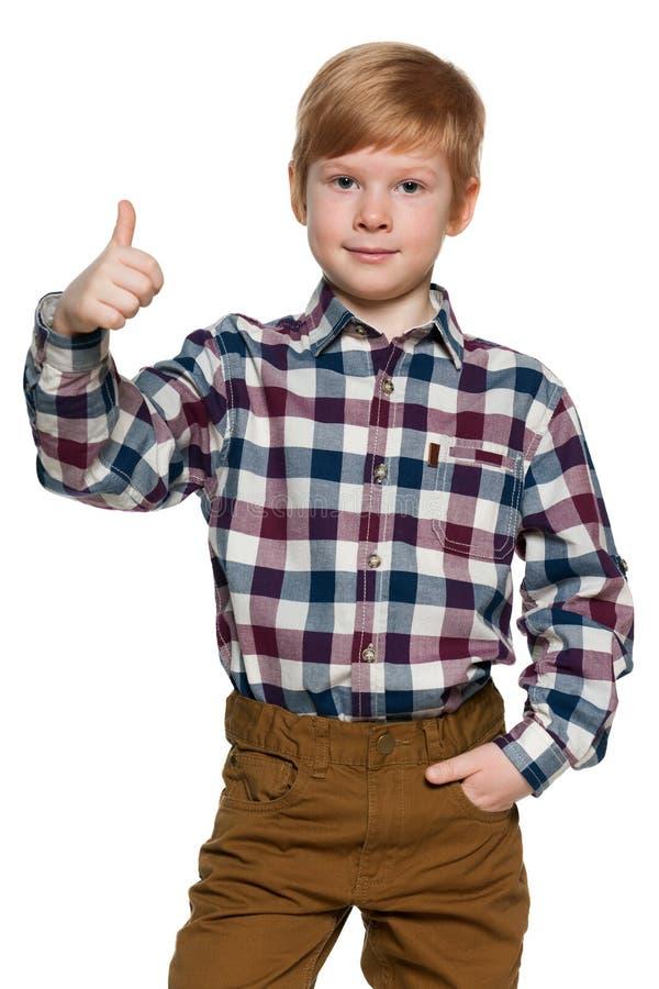 Download 红发年轻男孩举行他的赞许 库存图片. 图片 包括有 愉快, 方式, 微笑, 男朋友, 剪切, 童年, 人员 - 30325241