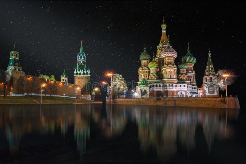 红场的全景在繁星之夜里 免版税图库摄影