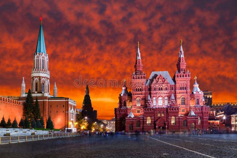 红场,日落的克里姆林宫 莫斯科俄国 库存图片