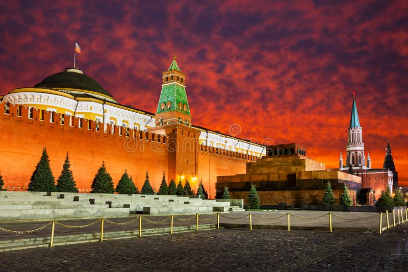 红场,日落的克里姆林宫 莫斯科俄国 免版税库存照片