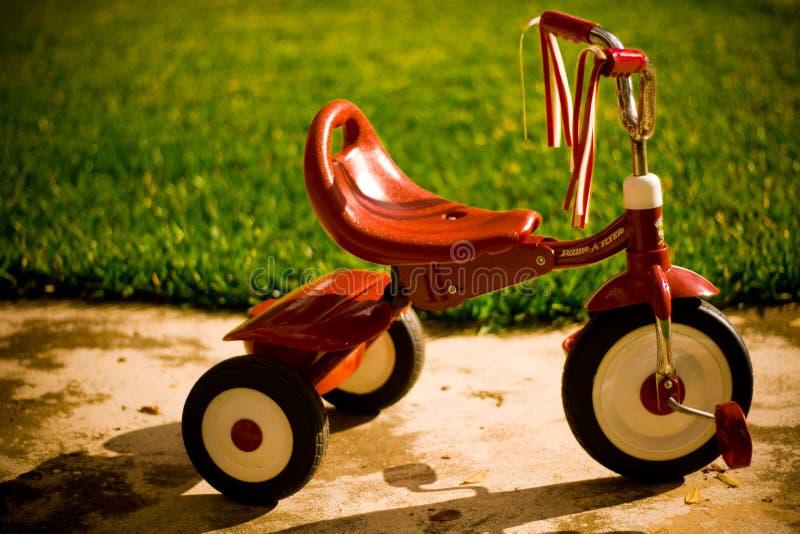 红色三轮车 免版税库存图片