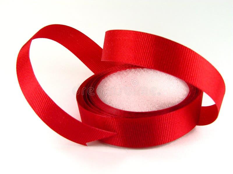 Download 红色丝带 库存照片. 图片 包括有 颜色, 空白, 查出, 凉亭, 背包, 对象, 丝带, 材料, 股票, 红色 - 61698