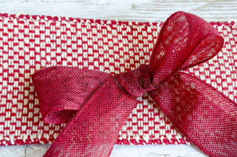 Download 红色丝带 库存照片. 图片 包括有 设计, 节假日, 生日, 红色, 附注, 存在, 装饰, 背包, 丝带 - 62536336