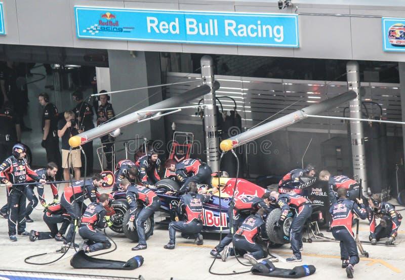 红色公牛F1队坑中止 免版税库存图片