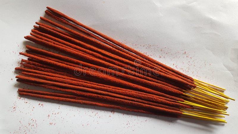 红色凉鞋Agarbatti在印度 免版税库存图片