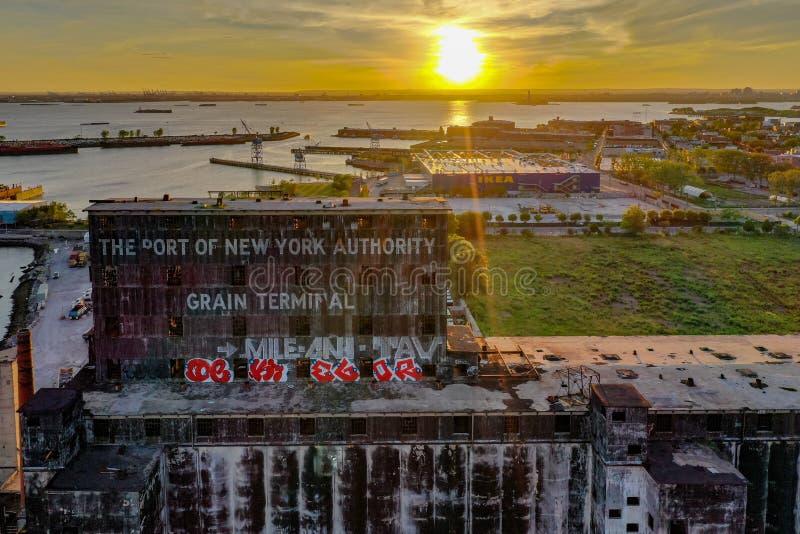 红色勾子五谷终端-布鲁克林,纽约 免版税库存照片