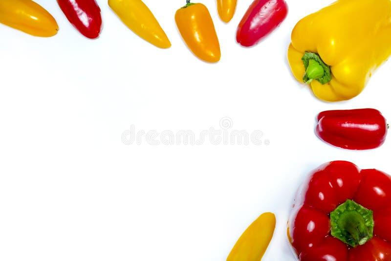 红色和黄色保加利亚胡椒 库存照片
