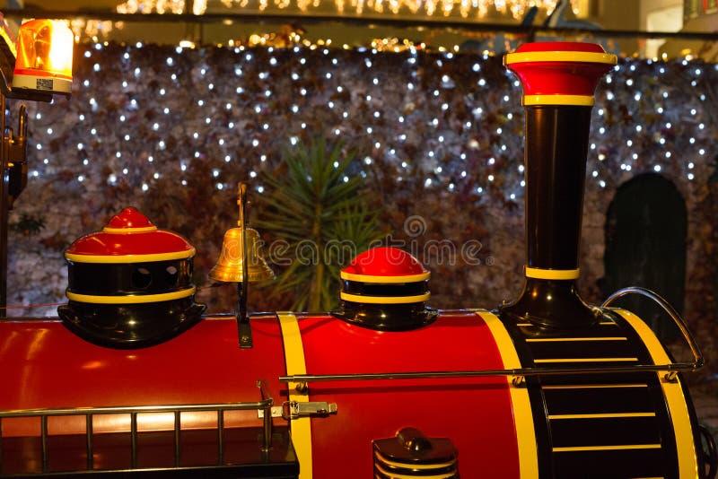 红色和黑圣诞节火车 库存照片