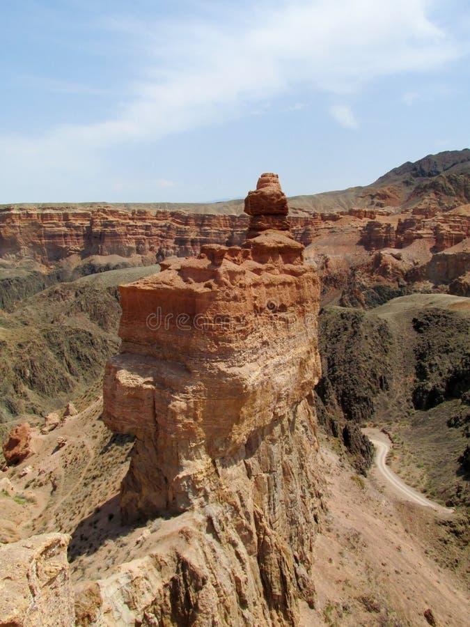 Download 红色和黄色不用灰泥只用石块构造的岩层 库存照片. 图片 包括有 聚会所, 字母表, 卡扎克斯坦, 地质, 地点 - 59103838