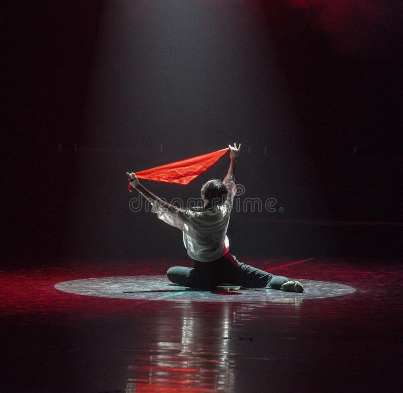 红色围巾4丁香舞蹈戏曲 库存图片