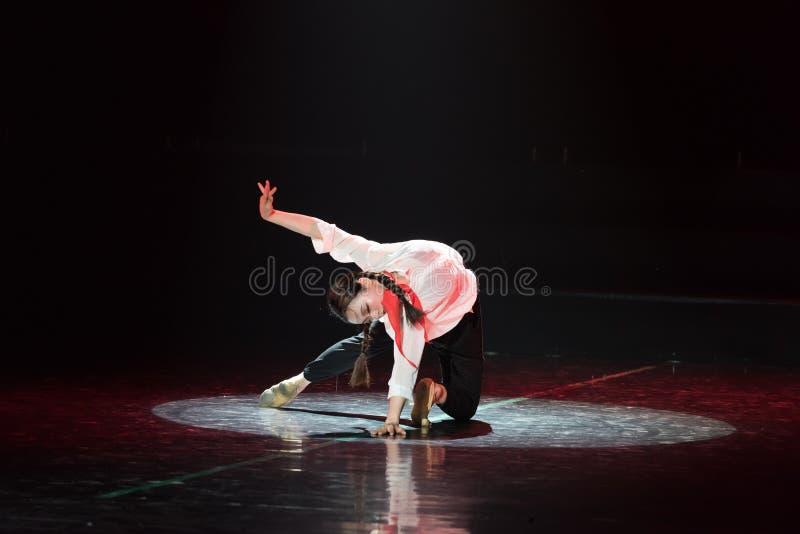 红色围巾6丁香舞蹈戏曲 免版税图库摄影