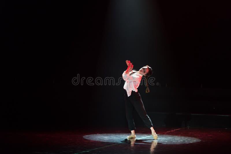 红色围巾26丁香舞蹈戏曲 免版税库存照片