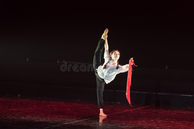 红色围巾30丁香舞蹈戏曲 免版税库存图片