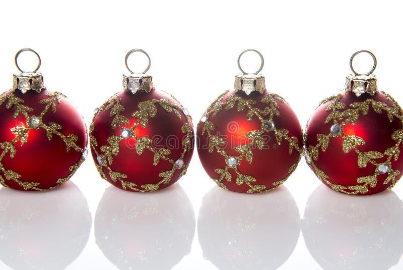 红色圣诞节球装饰 免版税库存图片