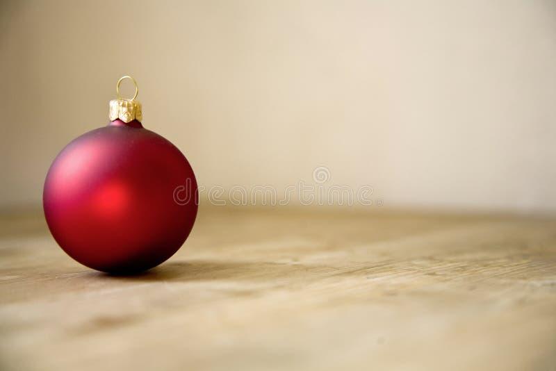 红色圣诞节球装饰 库存照片