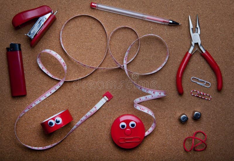 红色家用工具加工演播室质量 库存图片