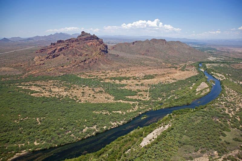 红色山和盐河 库存图片