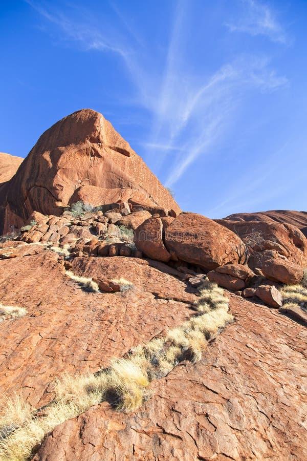 红色岩石和天空蔚蓝 库存照片