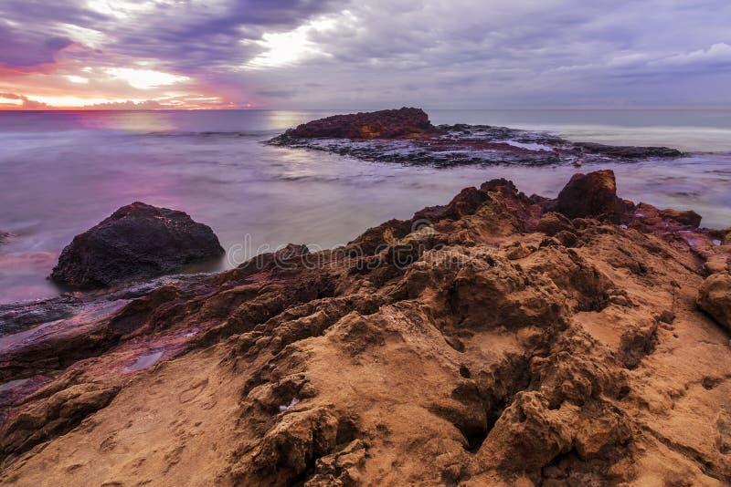 红色岩石2 钓鱼地中海净海运金枪鱼的偏差 图库摄影