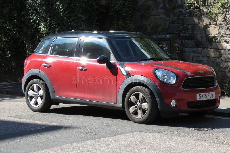 红色微型较小汽车2013年版本 免版税库存照片